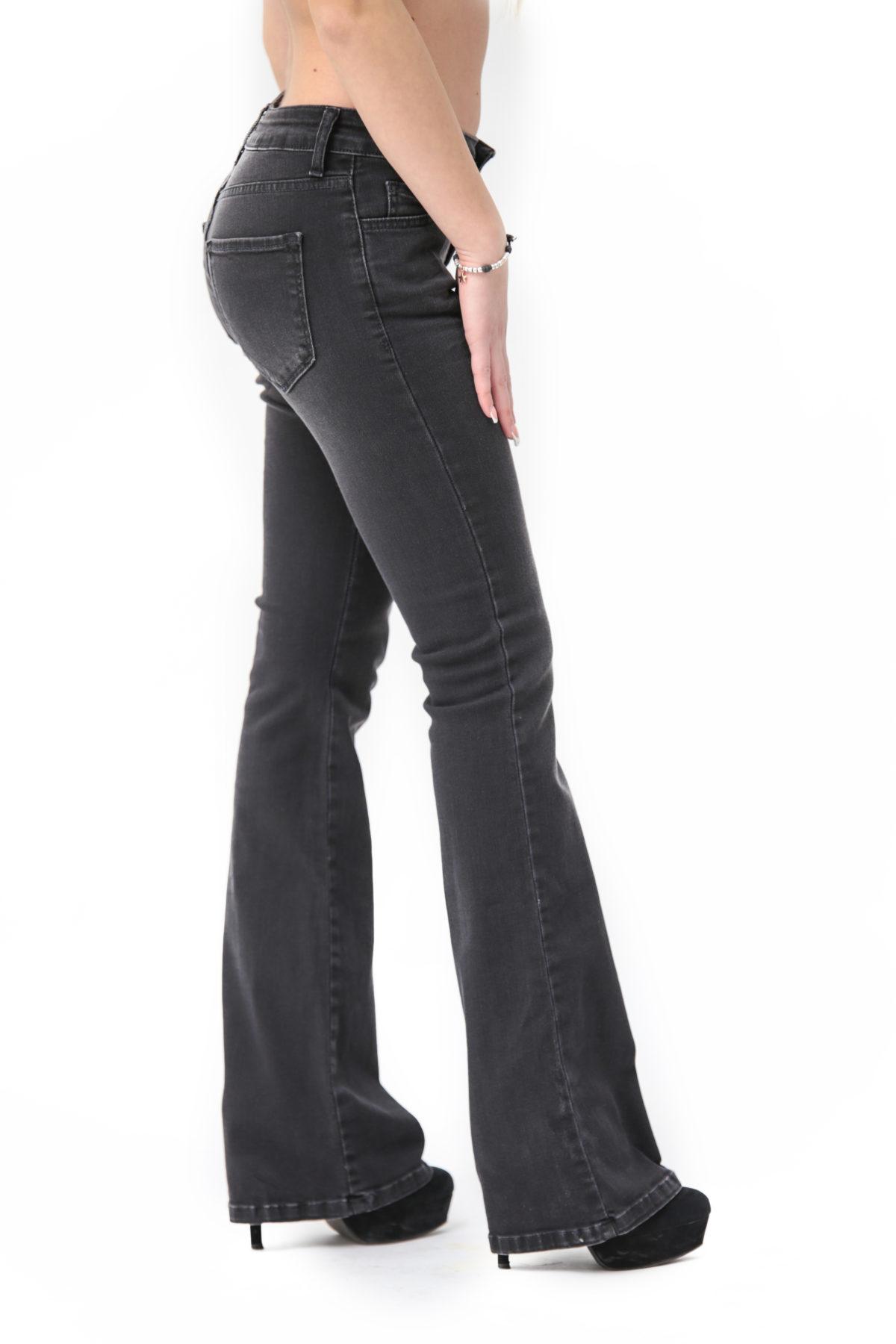 Jeans zampa d'elefante